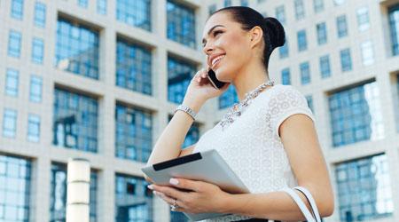 שירותי הבנק עברו לדיגיטל ומוקדי שירות הלקוחות איתם