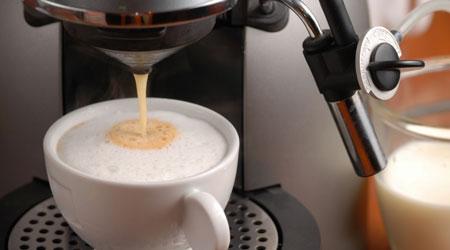 עבודה בבתי קפה - גמישות, טיפים ואפשרות שילוב לצד חיים סטודנטיאלים